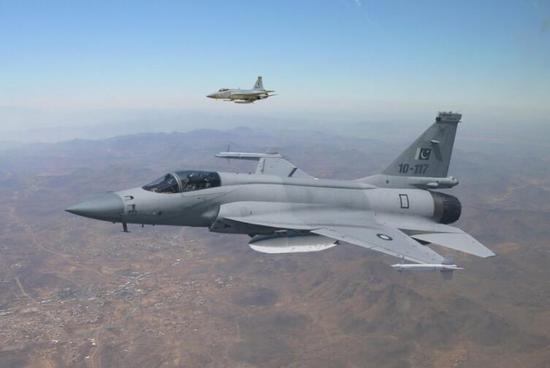 巴基斯坦空军装备的JF-17战斗机