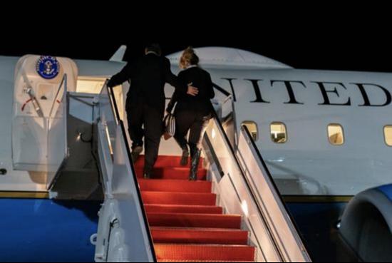 2020年11月,蓬佩奥访问法国后回国,这成了他担任国务卿后最后一次外访