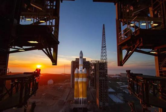 ▲德尔塔IV重型火箭发射现场(说相符发射联盟公司)