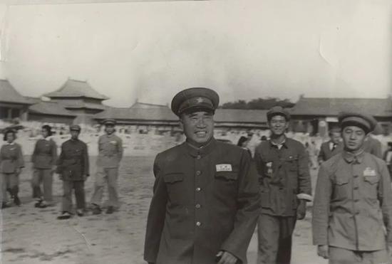 朱德参观故宫(1949年4月19日)