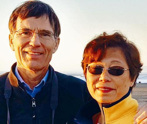 美联航再现粗暴对待乘客事件 华人妇女被赶下飞机