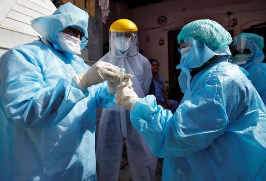 在一篇文章中了解全球流行:共有11篇。便士团队的8名特勤局特工已感染1600万例确诊病例|新皇冠性肺炎