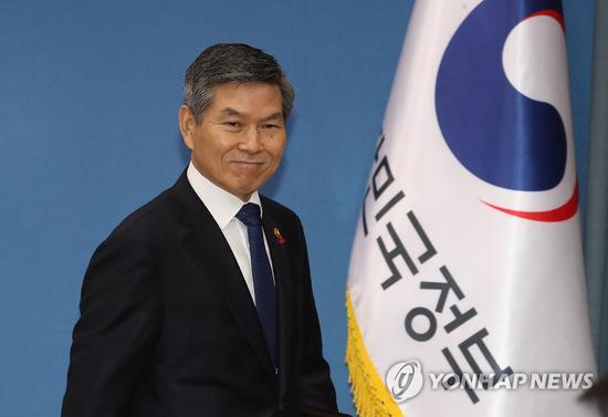 韩国防长郑景斗(韩联社)