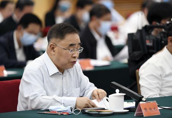 张伯礼在座谈会上发言。新华社记者 殷博古 摄