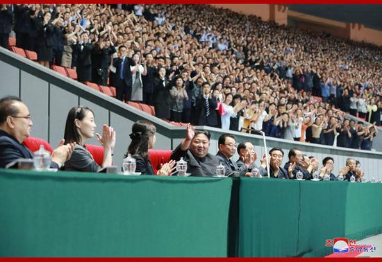 金正恩观看团体操表演 结束后严厉批评主创人员_德国新闻_德国中文网