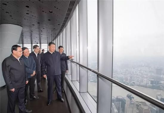△2018年11月,习近平到上海中心大厦考察。