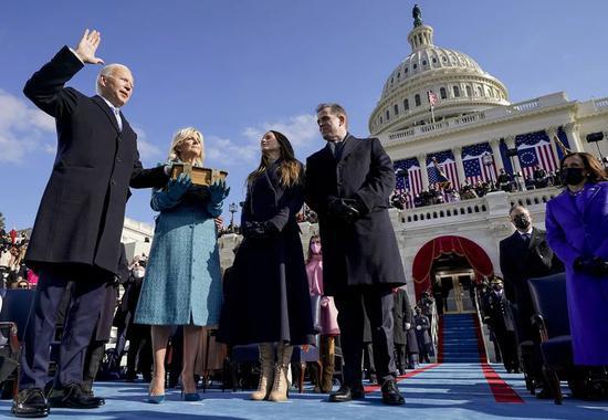 当地时间2021年1月20日,美国首都华盛顿,拜登正式宣誓就任美国第46任总统。