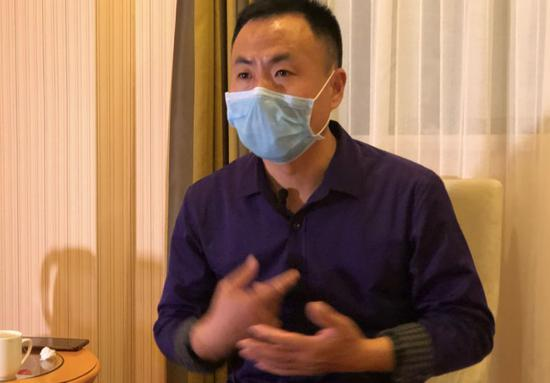 3月7日早晨,申军良批准记者采访。新京报记者王翀鹏程摄