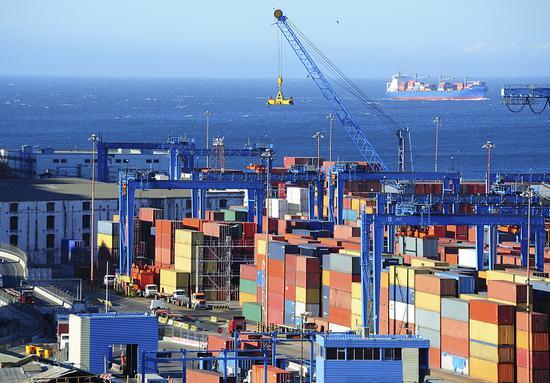海关总署:前11个月中美贸易总值增长6.9%