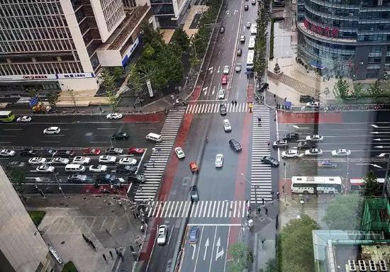 北京金融街集中了多家银行和保险公司的总部。