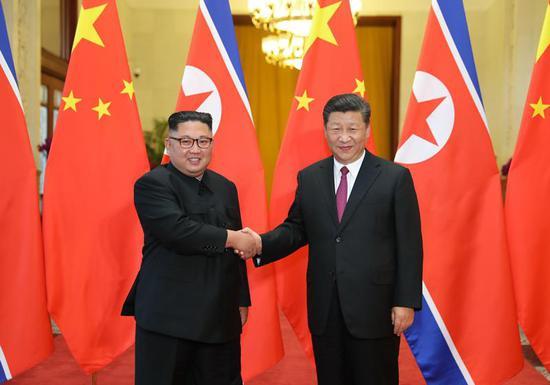 2018年6月19日,习近平同当日抵京对中国进行访问的朝鲜劳动党委员长、国务委员会委员长金正恩举行会谈。