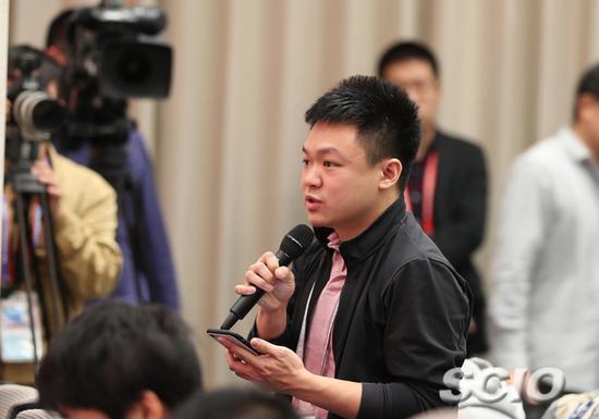 新加坡联合早报记者提问(赵一帆 摄)