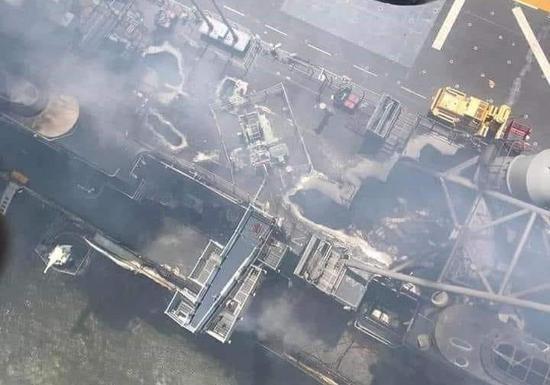 舰岛被烧穿