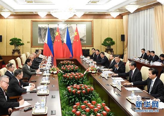 8月29日晚,国家主席习近平在北京钓鱼台国宾馆会见菲律宾总统杜特尔特。 新华社记者 申宏 摄