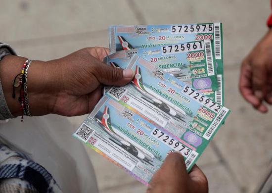 """墨西哥""""总统专机""""彩票将开奖 总统敦促民众加快购买"""