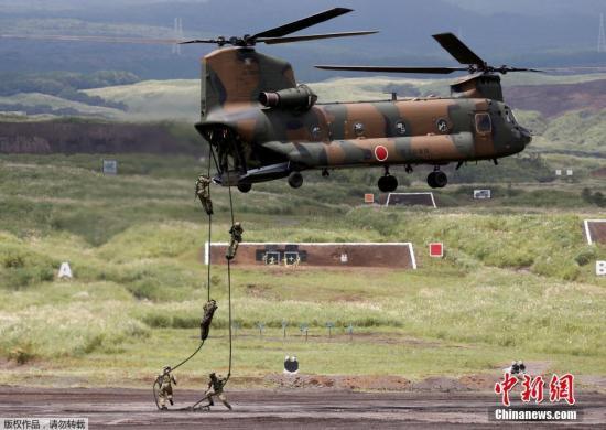 资料图:日本陆上自卫队正在演习。