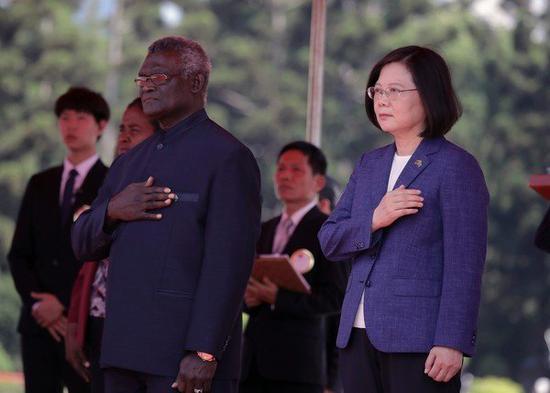 蔡英文和苏嘉瓦瑞(图源:联合新闻网)