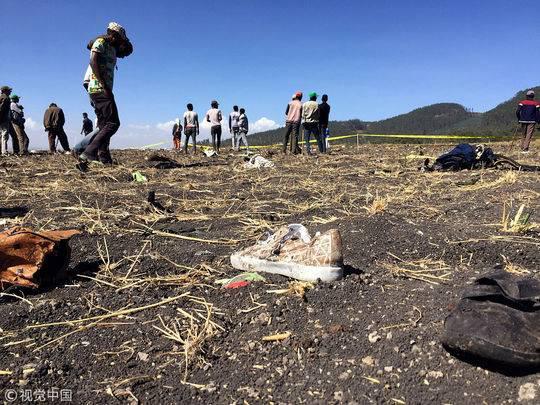 3月10日,埃塞俄比亚亚的斯亚贝巴Bishoftu附近的坠机现场。| 视觉中国