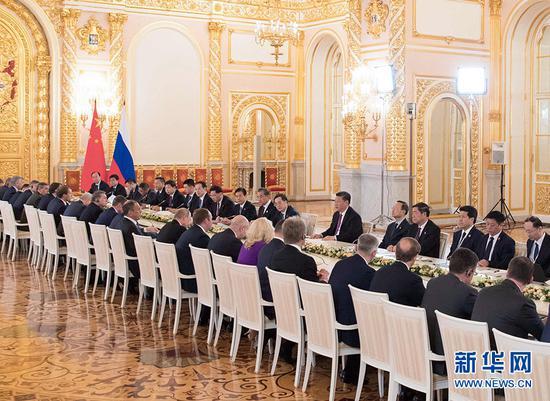 6月5日,国家主席习近平在莫斯科克里姆林宫同俄罗斯总统普京会谈。 新华社记者 李学仁 摄