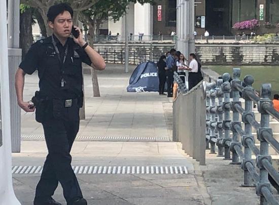 40多岁中国男子浮尸新加坡河面,新警方介入调查。(图源:英国《独立报》)