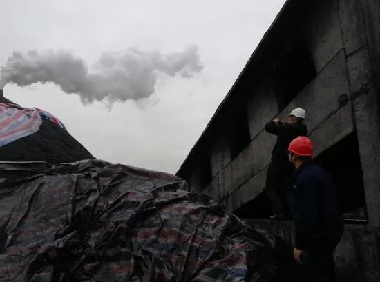 中央督察组在陕西省渭南市现场检查工业企业污染治理情况