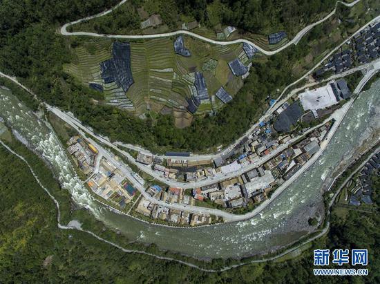 4月11日无人机拍摄的云南省贡山县独龙江乡新貌。新华社记者 江文耀 摄