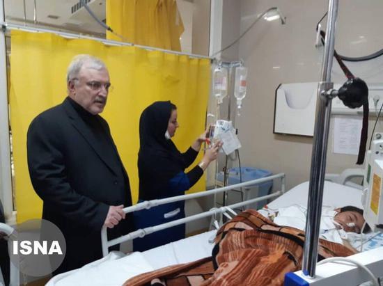△ 左为伊朗卫生部长萨义德·纳马基 图片来源:当地媒体