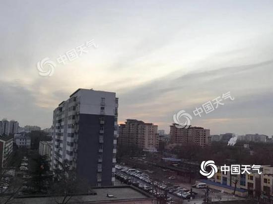 今晨,北京照样晴冷。