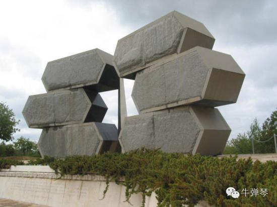 象征600万被搏斗犹太人的雕塑