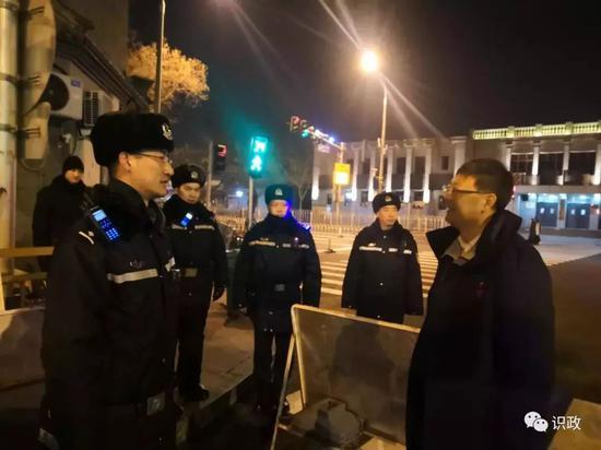 陈吉宁慰问街头执勤民警