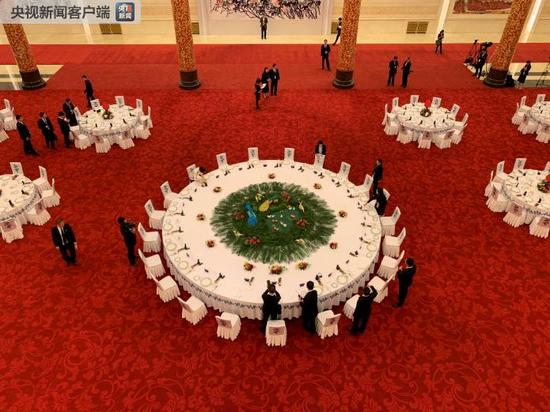 △晚宴主桌。(央视记者石丞拍摄)