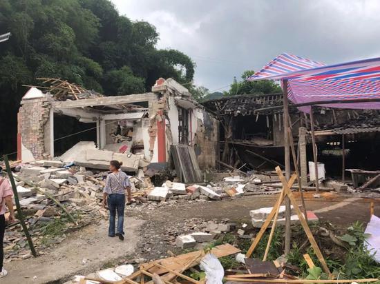 ▲震后,赵宇家成了一片废墟。新京报记者 解蕾 摄