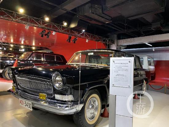 ▲新中国成立35周年的红旗CA770TJ检阅车。摄影/上游新闻记者 张莹