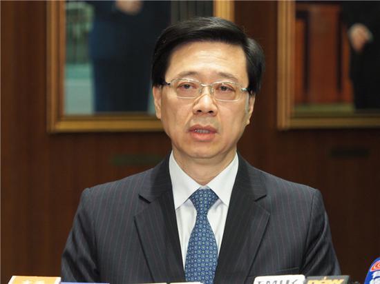 图为香港保安局局长李家超呼吁理大内暴徒尽快自首