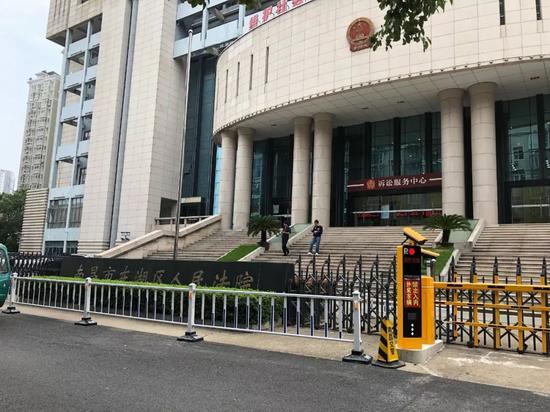 今年8月27日,熊昕案在江西省南昌市东湖区法院一审不公开审理。王翀鹏程摄