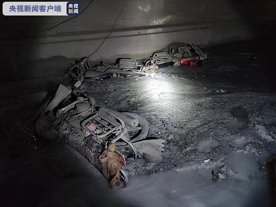 云南在建隧道突泥涌水事故致7人遇难 仍有5人失联