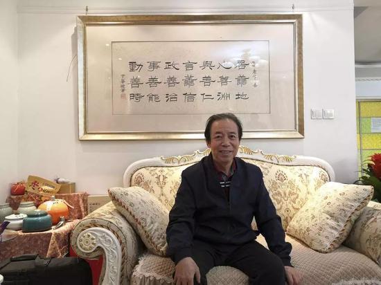 庞中华在家中。正午记者杨语拍摄