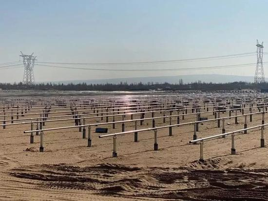 正在建设中的东坑伊当湾100兆瓦光伏项现在已被止息 © 财经杂志