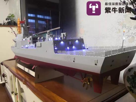 李志勇制作的军舰模型