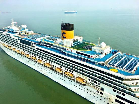 """1月25日航拍的""""歌诗达赛琳娜号""""邮轮。受访者挑供"""