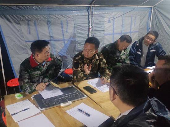 中国外交部援助阿盟抗疫物资在开罗交接