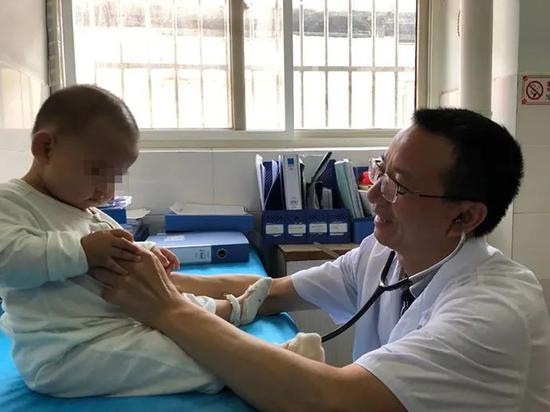 """澎湃:儿童患者少了,别让儿科医生""""荒""""了"""