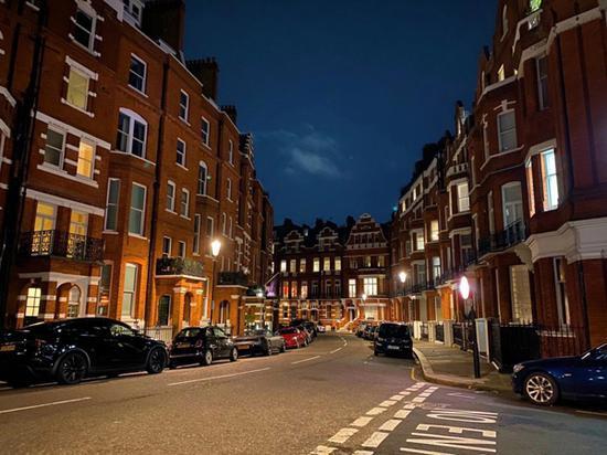 空无一人的伦敦街道
