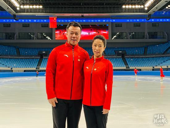 △赵宏博、申雪曾在2010年温哥华冬奥会上夺冠,完成花样滑冰双人滑项目的大满贯。(总台央视记者邢彬拍摄)
