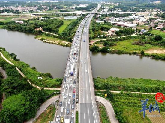 广惠高速主线车流。羊城派资料图