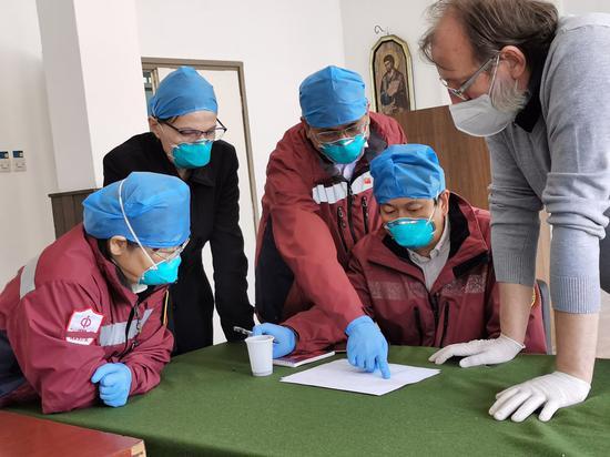 中国已向国际社会提供5亿剂新冠疫苗和原液