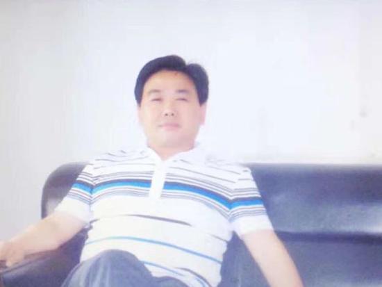 """""""潘晓阳""""的个人微信头像照片,显示他与潘昌全长得一模一样"""