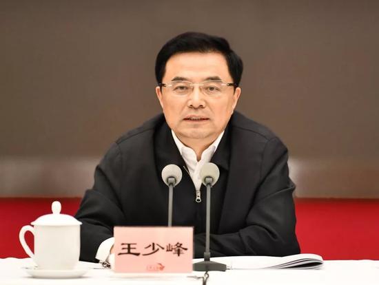 湖南省委常委、组织部部长王少峰,已任人社部副部长
