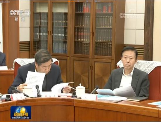 国务院会议室桌上多了五份地图(图)