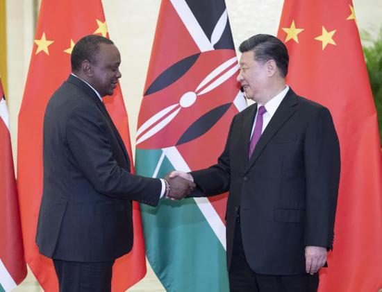 习大大会见肯尼亚总统肯雅塔